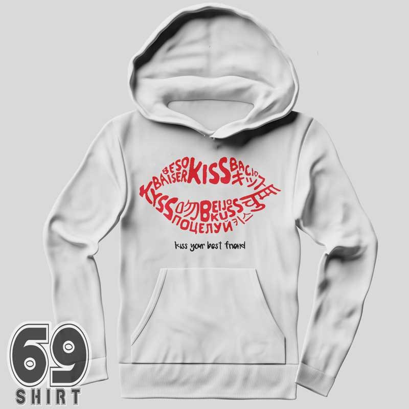 Joey-King-kissing-booth-sweatshirt